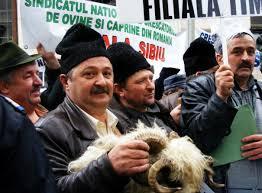 Fermierii protesteaza în fața palatului Cotroceni