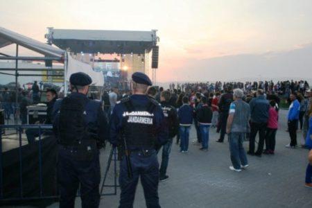 Jandarmii mehedinteni asigura ordinea la evenimentele cultural-artistice din judet