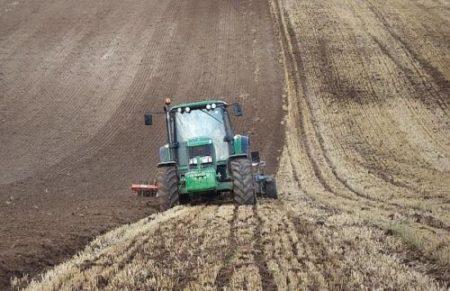 Subventii agricole: Fermierii pot depune fără penalităţi cererea unica de plata pana pe 10 iunie