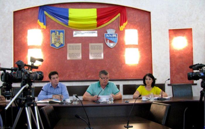 Primarul Mircia Gutău i-a felicitat pe elevii care au luat nota 10 la Bacalaureat