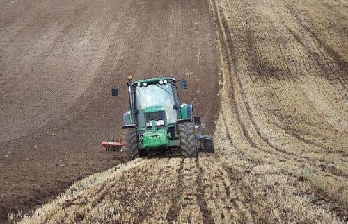 Subventii agricole 2016: Astazi este ultima zi in care  fermierii mai pot  depune cererea unica de plată