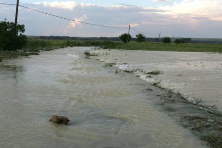 Cod portocaliu de inundatii in judeţele Dolj, Olt si Mehedinţi