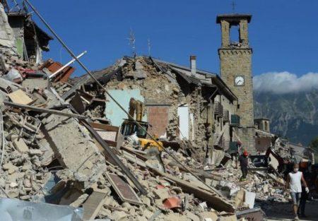 Patru români sunt încă disparuti dupa cutremurul din Italia