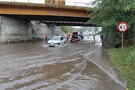 Primăria municipiului Slatina : Problemele sesizate în dimineața zilei de 19 septembrie din cauza cantității mari de precipitații au fost soluționate în timp util