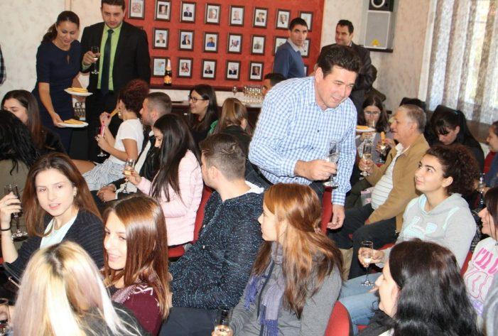 Ceremonie de înmânare a Atestatelor de Cetăţeni cu drepturi depline ai municipiului Râmnicu Vâlcea