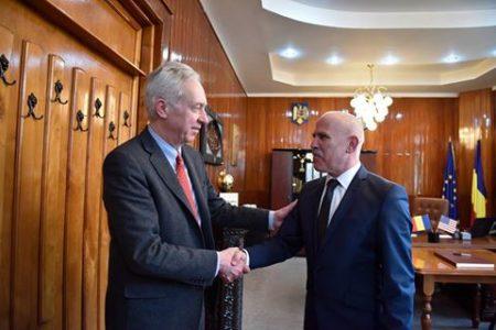 Gorj: Ambasadorul Statelor Unite ale Americii viziteaza municipiul Târgu Jiu