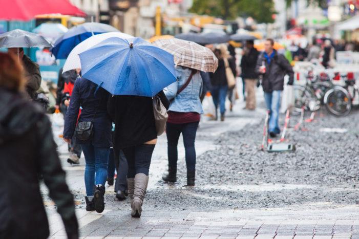 Vant puternic si precipitații în cea mai mare parte a țării