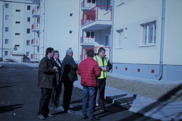 Ramnicu Valcea: S-au recepţionat lucrările de racordare la utilităţi a noilor blocuri ANL din Ostroveni