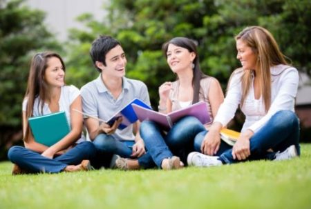 5 tipuri de colegi pe care ii intalnesti in facultate