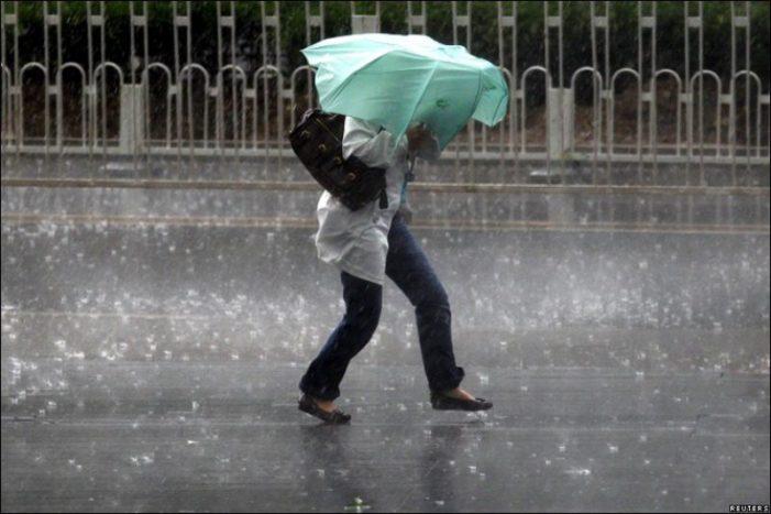 Se raceste vremea! Informare de ploi torentiale, vijelii si grindina