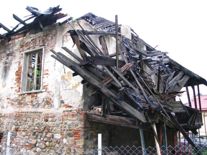Măsuri preventive luate de autoritatile locale valcene: Intervenţie de urgenţă la Casa Olănescu
