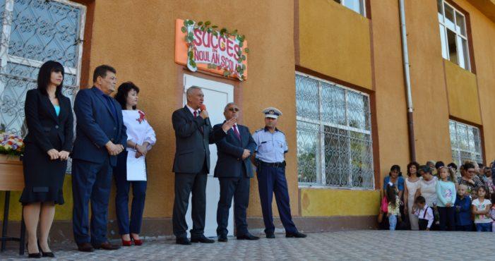 CJ Dolj: Ion Prioteasa, la deschiderea anului şcolar la Școala Gimnazială Podari