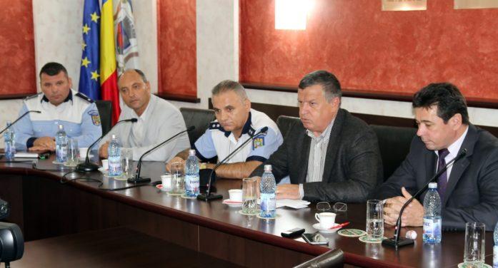Noi dispoziţii trasate de primarul Mircia Gutău
