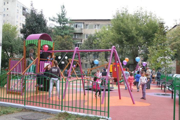 Primăria Râmnicu Vâlcea a modernizat locul de joacă pentru copii  din zona General Magheru