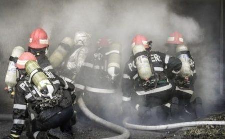 Prefectura Valcea: Sedință extraordinară privind situația actuală a incendiului declanșat pe amplasamentul depozitului de deșeuri din comuna Măldărești