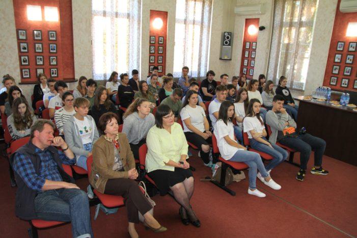 Elevi şi profesori din Franţa, Germania, Polonia şi Turcia în vizită la Primăria Râmnicului