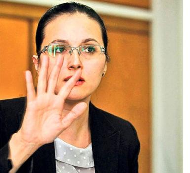Alina Bica vrea să devină avocat in Costa Rica