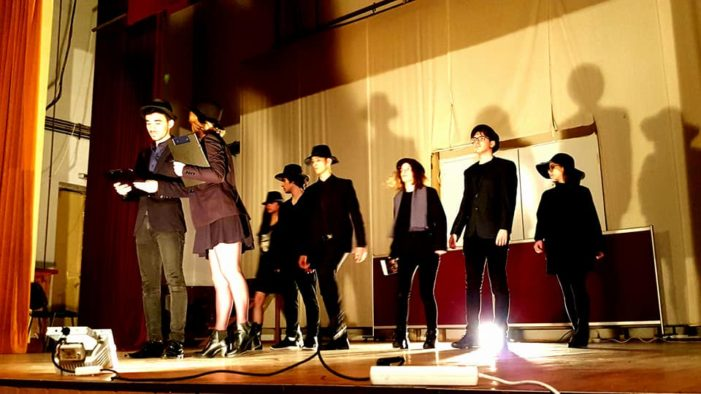 Olt: Piesa de teatru, CABARETUL CUVINTELOR – LE CABARET DES MOTS, manifestare in cadrul parteneriatului dintre CJ Olt şi Consiliul General Loiret