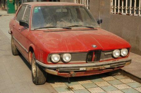 Primaria Craiova: Începe ridicarea mașinilor abandonate pe domeniul public