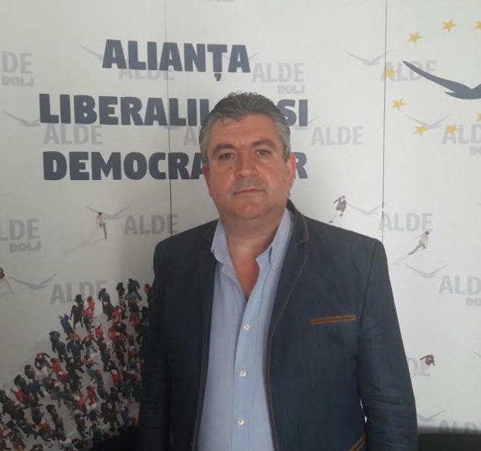 """Adinel Ilinca, Vicepreședinte ALDE Dolj:""""Ne așteptăm ca și celelalte organisme financiare internaționale să revizuiască pozitiv perspectiva de creștere economică a României """""""