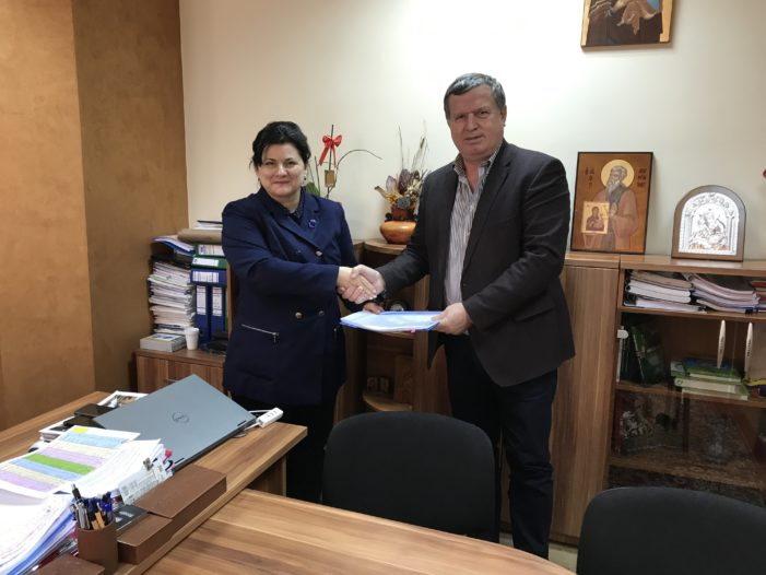 """Ramnicu Valcea: A fost semnat contractul de finanţare pentru proiectul """"Reabilitare termică Colegiul Naţional de Informatică Matei Basarab"""""""