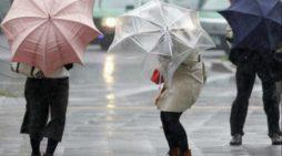 Ploile revin în forţă: Cod galben de ploi in Oltenia