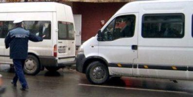 Firmele de transport persoane, din Dolj, luate la puricat de polițiști