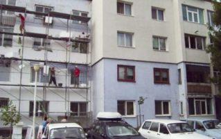 Valcea: Proiectul privind reabilitarea blocurilor de locuinţe prin intermediul fondurilor europene a ajuns la final