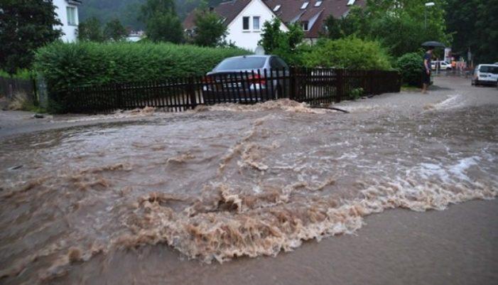 Oltenii strang ajutoare pentru sinistraţii din judeţele afectate de inundaţii