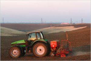 Fermierii doljeni primesc banii pentru motorina utilizată în agricultură