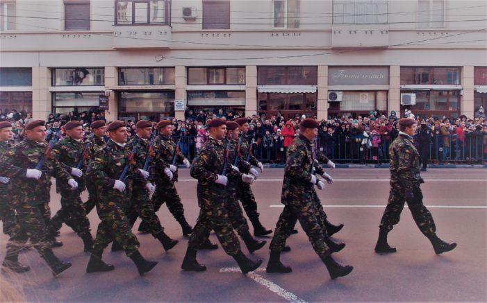 Craiova: Restricţie temporară de circulaţie rutieră pentru desfăşurarea ceremoniei militare dedicată celebrării Zilei Victoriei Revoluţiei Române