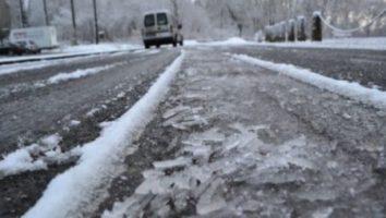 Avertizare de vreme rea: Viscol, ninsori şi polei până vineri