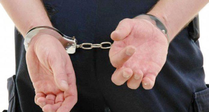 Olt: Bărbat bănuit de viol, prins de politisti