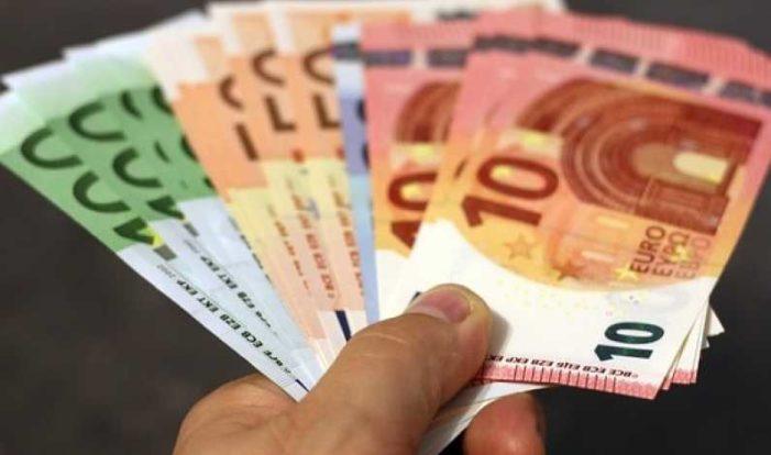 Peste 62 de milioane de euro pentru fermele mici şi tinerii fermieri
