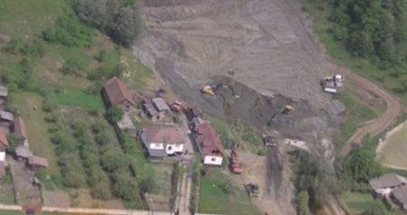 Valcea: Sapte gospodării evacuate din cauza alunecărilor de teren
