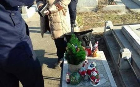 Craiova: Minora, prinsa la furat in Cimitirul Ungureni