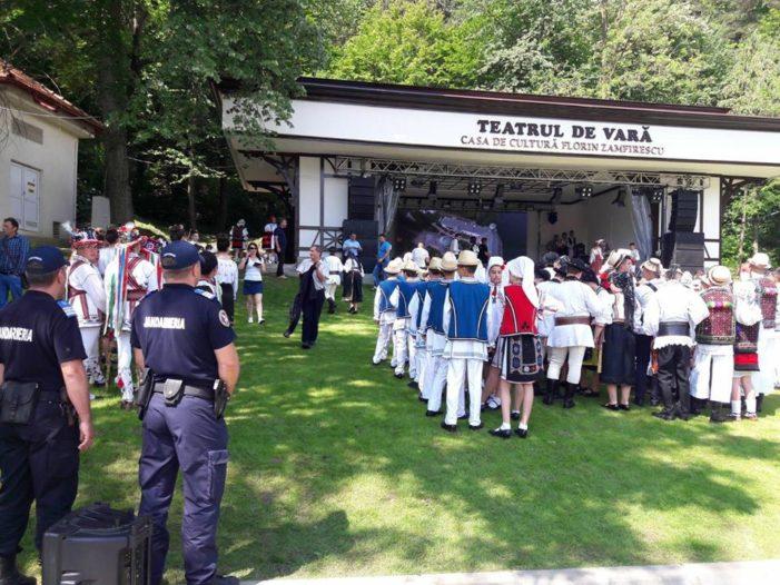 Mehedinti: Jandarmii asigura ordinea la evenimentele cultural-artistice in judet