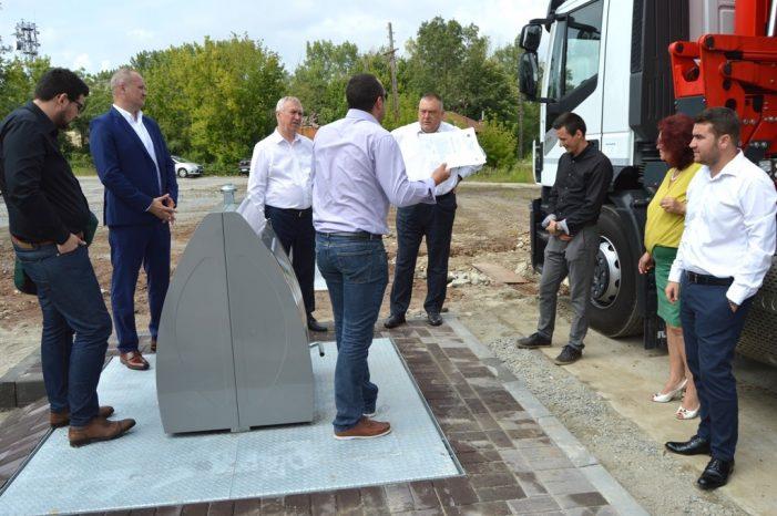 Presedintele CJ Dolj si primaul Craiovei, intalnire cu reprezentanții asocierii de firme care a câștigat licitația publică pentru furnizarea și montarea containerelor îngropate destinate colectării deșeurilor în Craiova