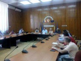 Prefectura Mehedinti, sedinta extraordinara privind masurile de prevenire a aparitiei virusului pestei porcine in judet