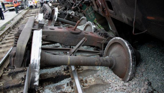 CFR: Din cauza deraierii unui tren de marfă, trenurile Interregio sunt deviate pe ruta ocolitoare Caracal – Piatra Olt – Craiova şi retur