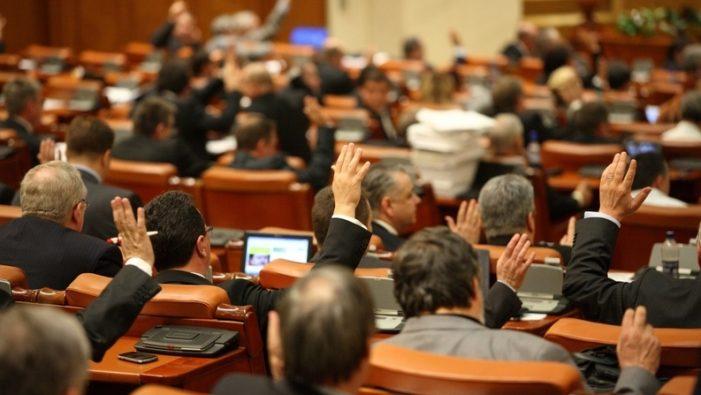 Senatul da unda verde creditelor de 40.000 de lei pentru tinerii fără venituri