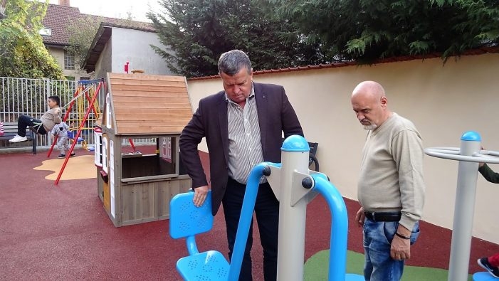 Trei spaţii pentru joacă şi sport, inaugurate în zona Petrişor – 1 Mai