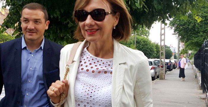 Carmen Iohannis le-a transmis procurorilor de la Parchetul General un fax prin care își explică absența de la audierile