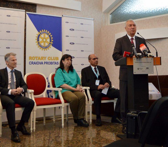 CJ Dolj:  Proiectul «Există un erou în fiecare dintre noi» prevede echiparea cu câte un defibrilator automat a unui număr de cinci puncte de prim ajutor în Craiova