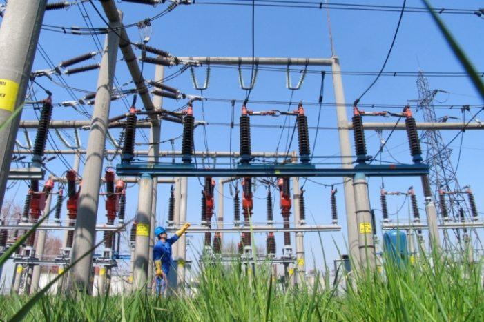 O treime din capacitate sistemului naţional energetic nu funcţionează din motive administrative, tehnice şi de mediu