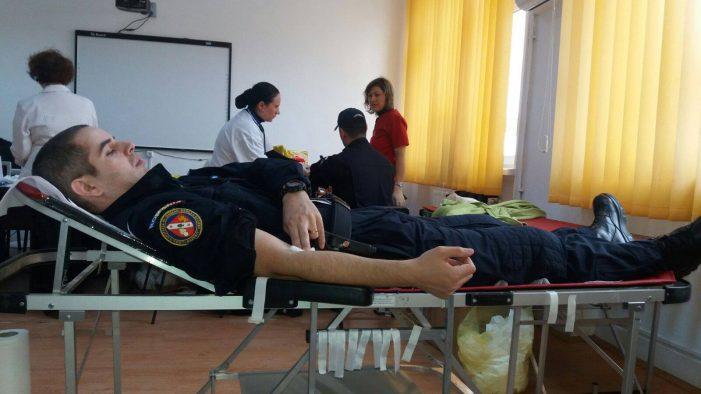 Jandarmi din cadrul Grupării de Jandarmi Mobile Craiova vor dona sânge
