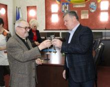 """Festivitate """"Nunta de Aur"""" la Primăria Râmnicului: fostul primar Sorin Zamfirescu, iniţiatorul acestei sărbători, s-a aflat printre cei aniversaţi!"""