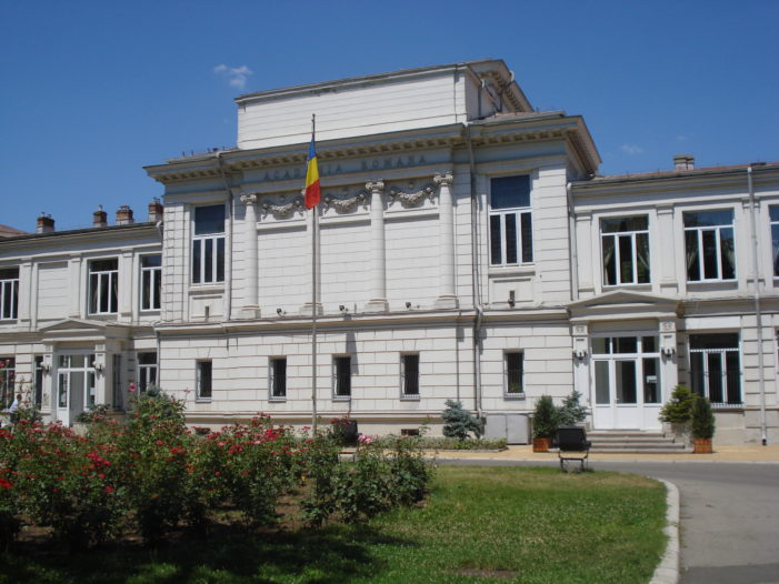 Academia Română: Un asemenea sondaj cu tentă electorală, apărut în plină campanie electorală, nu a fost niciodată comandat de Academia Română