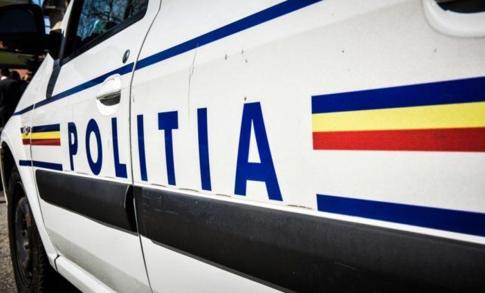 Craiova: Maşină de poliţie, implicată într-un accident rutier