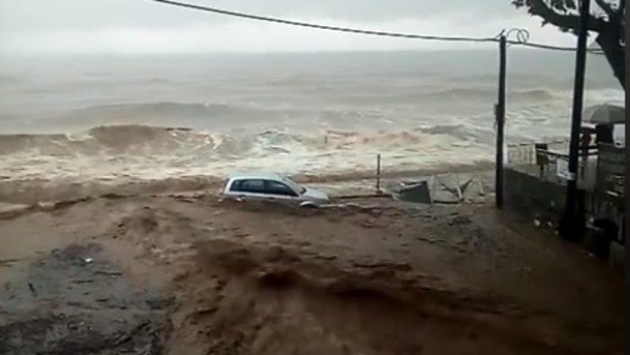 Avertizare de călătorie pentru Grecia – ploi torenţiale, furtuni si vânt în rafale